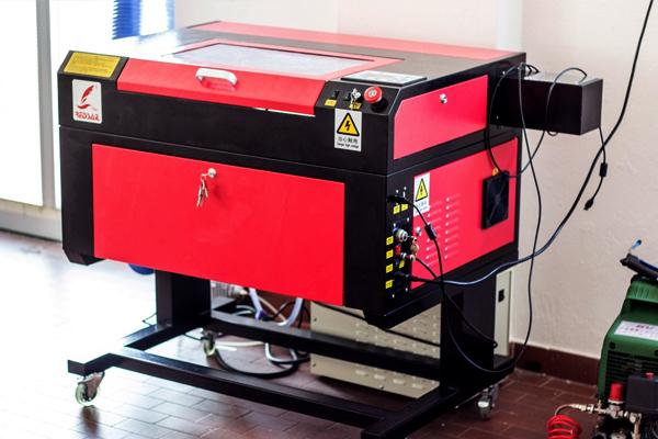 taglio laser e disegno 2D